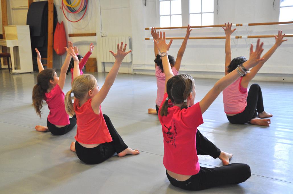 Ecole de danse rouen modern jazz turbulences for Cours danse classique barre